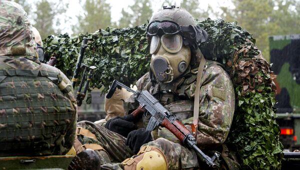 Военнослужащий на международных военных учениях Summer Shield XIV в Латвии