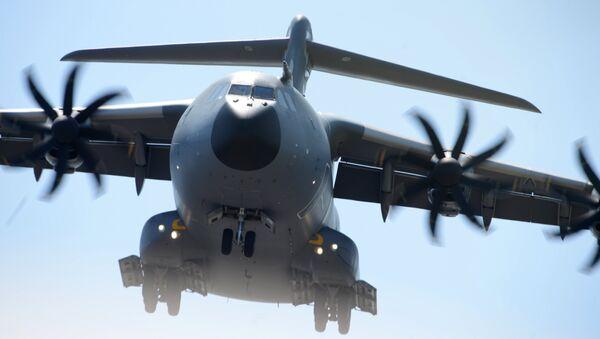 Военно-транспортный самолёт Airbus A400M. Архивное фото