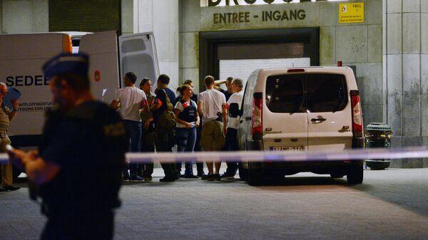 Криминалисты на месте теракта на центральном вокзале Брюсселя
