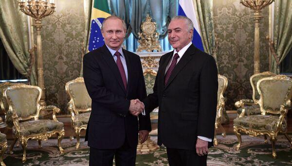 Президент РФ Владимир Путин и президент Бразилии Мишел Темер во время официальной встречи в Кремле. 21 июня 2017