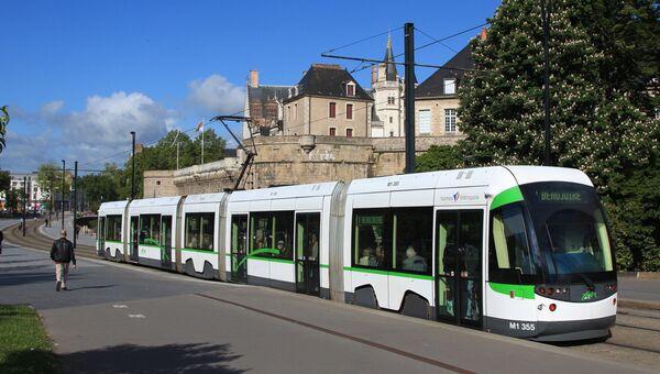 Трамвай в Нанте, Франция. Архивное фото