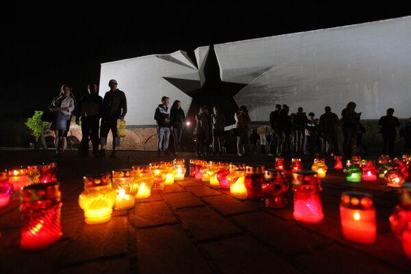 Зрители на мероприятии, посвященном Дню памяти и скорби о погибших в Великой Отечественной войне в Бресте