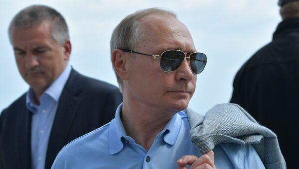 24 июня 2017. Президент РФ Владимир Путин во время посещения международного детского центра Артек в Крыму. 24 июня 2017