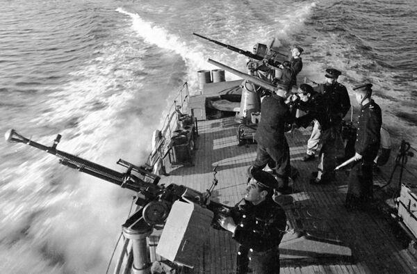 Моряки Черноморского флота на катере в боевом походе во время Великой Отечественной войны