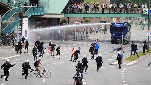 Акция протеста в Гамбурге во время проведения саммита G20. Архивное фото