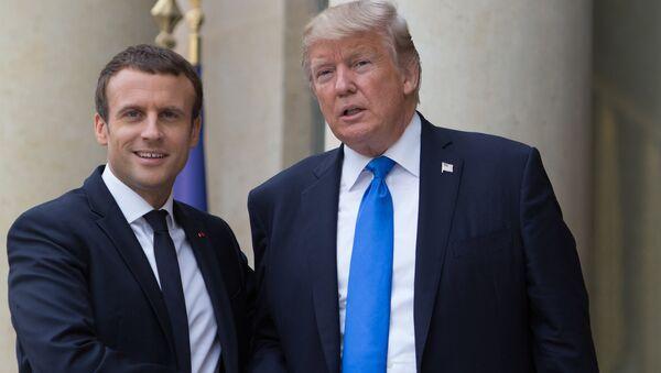 Дональд Трамп и Эммануэль Макрон. Архивное фото