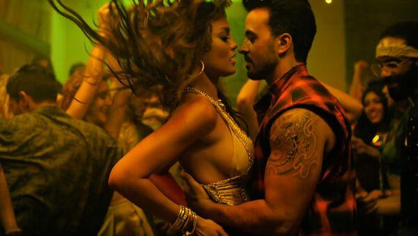 Кадр из клипа Лиуса Фонси на песню Despacito