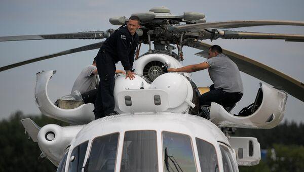 Вертолет Ми-8 на Международном авиационно-космическом салоне МАКС-2017