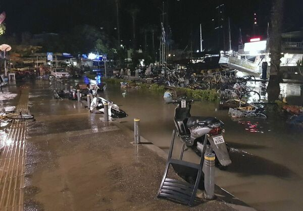 Последствия землетрясения и цунами на острове Кос, Греция. 21 июля 2017