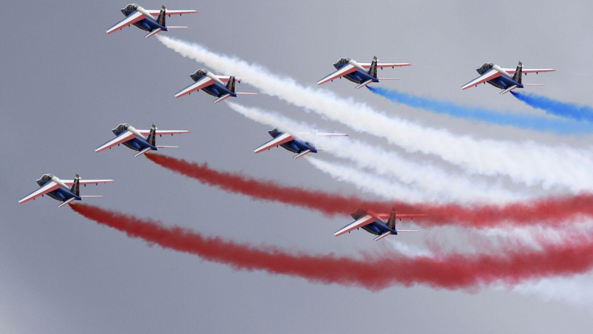 Французская пилотажная группа Патруль де Франс во время выступления на МАКС-2009 в Жуковском - РИА Новости, 1920, 02.10.2020