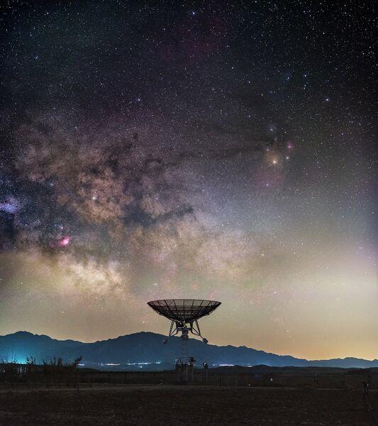 Работа фотографа Haitong Yu A Battle We Are Losing, вошедшая в шорт-лист Insight Astronomy Photographer of the Year 2017