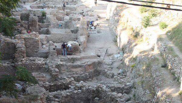 Древнее кладбище на территории финикийского Сидона