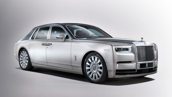 Автомобиль Rolls-Royce Phantom