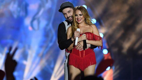 Певцы Дима Билан и Ники Джамал выступают на международном музыкальном фестивале ЖАРА в Баку