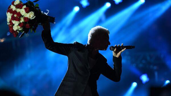 Лидер группы Ночные снайперы, певица Диана Арбенина выступает на международном музыкальном фестивале ЖАРА в Баку