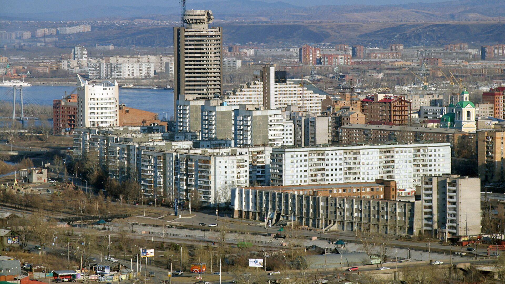 Во Владивостоке из-за пожара из общежития эвакуировали почти 300 человек