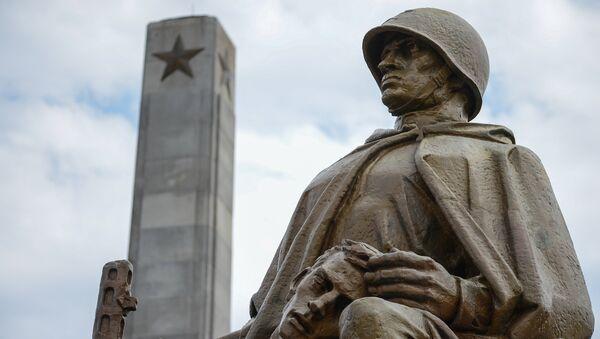 Памятник советским солдатам в Польше. Архивное фото