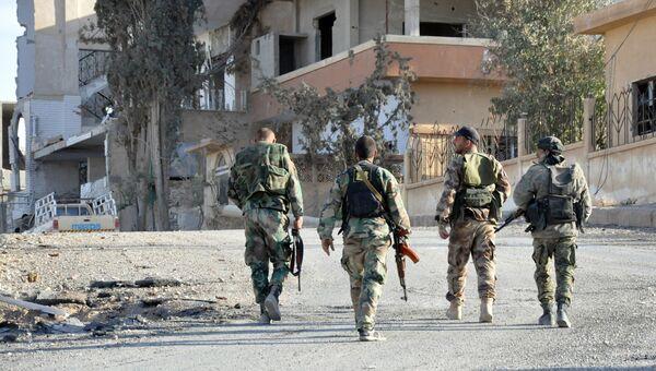 Сирийские солдаты в центральной части Сирии в Хомсе