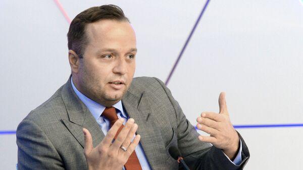 Юрист Шнурова призвал комиссию Госдумы принять меры против Милонова