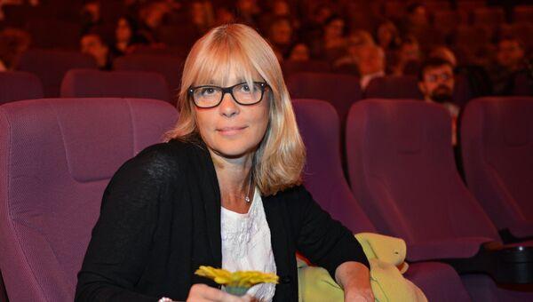 Режиссер Вера Глаголева перед показом своего фильма Две женщины в рамках Международного медиафорума в Санкт-Петербурге