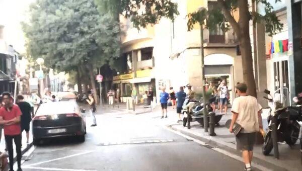 Кадры из Барселоны, где минивэн врезался в толпу