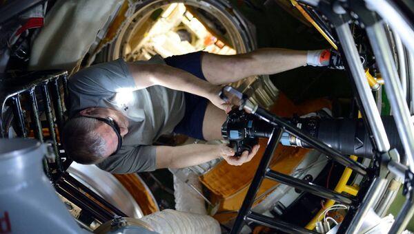 Космонавт Роскосмоса Федор Юрчихин снимает солнечное затмение с борта МКС. 21 августа 2017