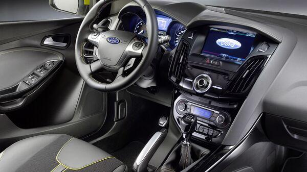Салон автомобиля Ford Focus III
