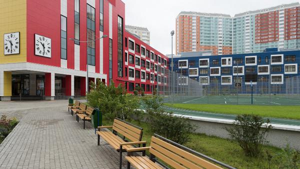 Посещение Сергеем Собяниным новой школы в Некрасовке. Архивное фото