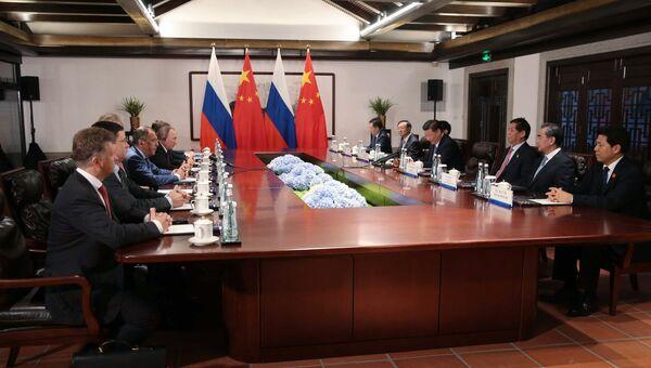 Во время переговоров на полях саммита БРИКС в Сямэне.