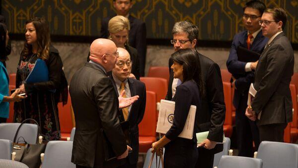 Постоянные представители России, Китая, Франции и США при ООН после экстренного заседания Совбеза. 4 сентября 2017