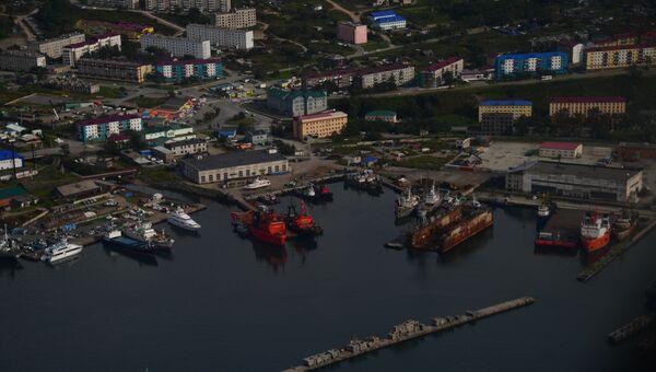 Порт в городе Корсаков на берегу залива Анива. Архивное фото