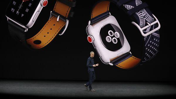 Главный операционный директор Apple Джефф Уильямс на презентации новых продуктов Apple