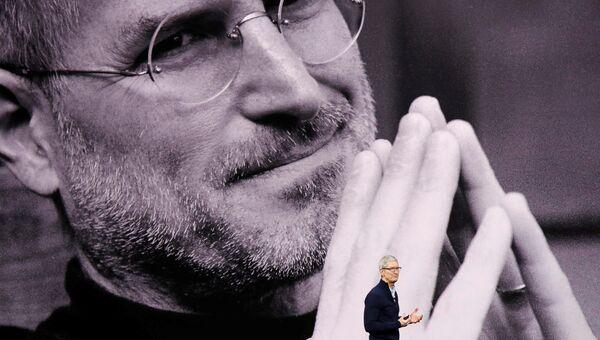 Генеральный директор Apple Тим Кук выступает на презентации новых продуктов в штаб-квартире Apple в Купертино