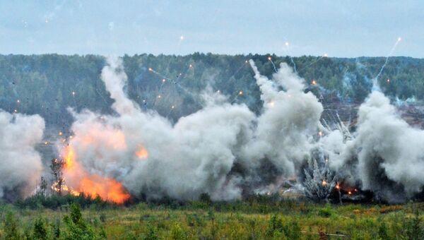 Взрывы во время совместных стратегических учений вооружённых сил России и Белоруссии на Лужском полигоне в Ленинградской области. 13 сентября 2017