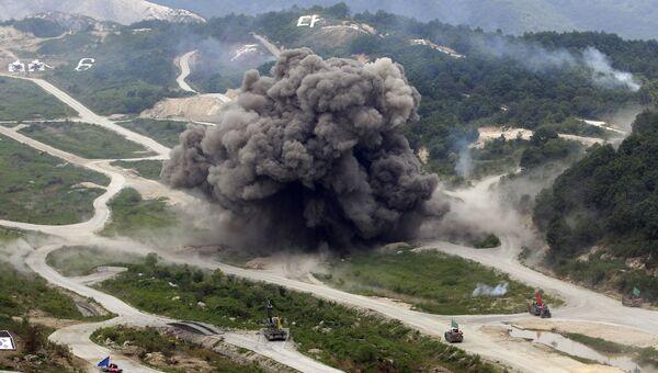 Cовместные военные боевые учения Южной Кореи - США на полевой тренировочной площадке Seungjin в Почеоне