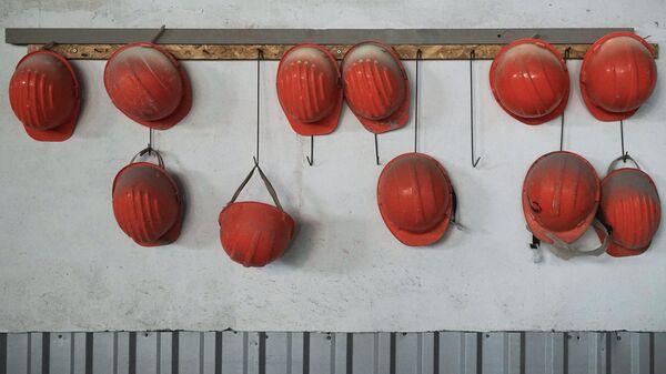 Каски рабочих