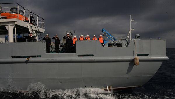 Экипаж спасательного судна Игорь Белоусов во время учений Морское взаимодействие - 2017. 22 сентября 2017