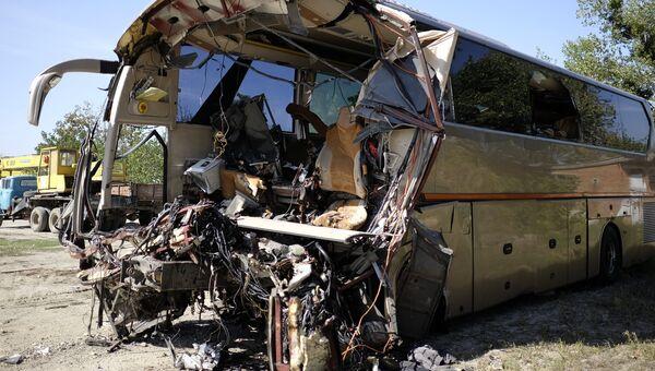 Последствия ДТП с участием автобуса King Long и грузовым автомобилем с на трассе М-4 Дон. 26 сентября 2017