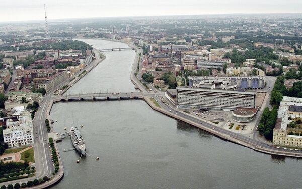 Крейсер Аврора на стоянке в Санкт-Петербурге