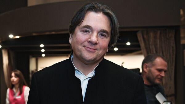 Генеральный директор Первого канала Константин Эрнст перед началом церемонии вручения телевизионной премии ТЭФИ 2017 в Москве. 3 октября 2017