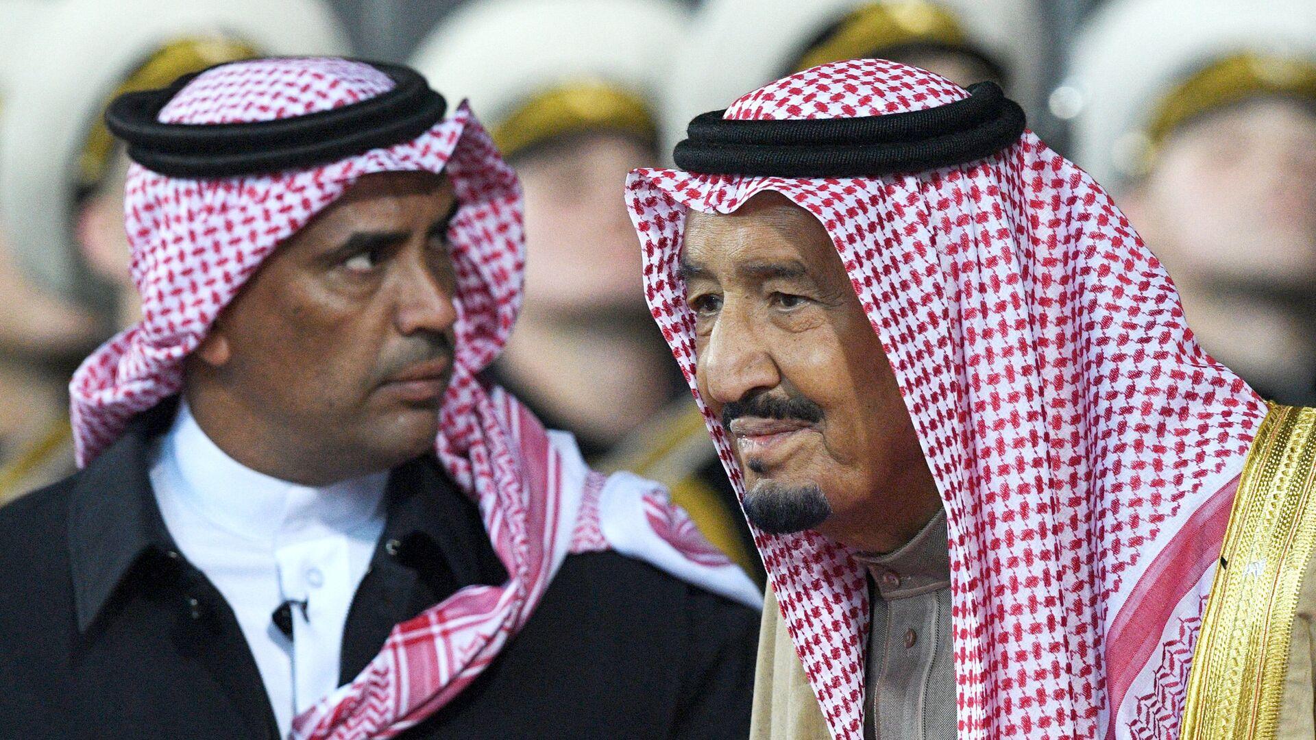Король Саудовской Аравии Салман бен Абдель Азиз Аль Сауд в аэропорту Внуково-2 - РИА Новости, 1920, 12.05.2021
