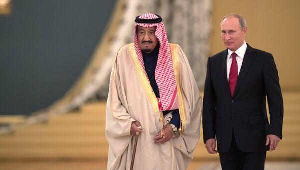 Президент РФ Владимир Путин и король Саудовской Аравии Сальман Бен Абдель Азиз Аль Сауд во время встреч. 5 октября 2017