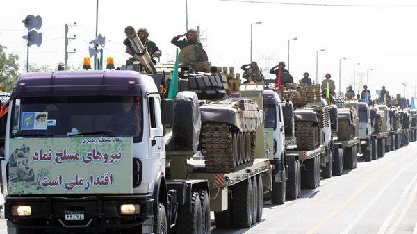 Корпус стражей исламской революции на параде во время Недели Священной Обороны