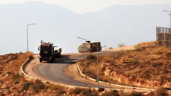 Турецкая бронетехника около сирийской северо-западной провинции Идлиб. 11 октября 2017