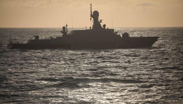 Малый ракетный корабль Углич во время учений Каспийской флотилии. 10 октября 2017