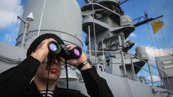 Военнослужащий во время итоговых учений корабельных группировок Каспийской флотилии. 12 октября 2017