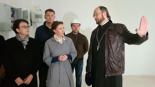 Кузнецова посетила строящийся детский хоспис в Домодедово