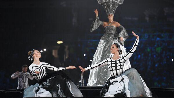 Театральное представление на церемонии открытия XIX Всемирного фестиваля молодежи и студентов в Ледовом дворце Большой в Сочи. 15 октября 2017