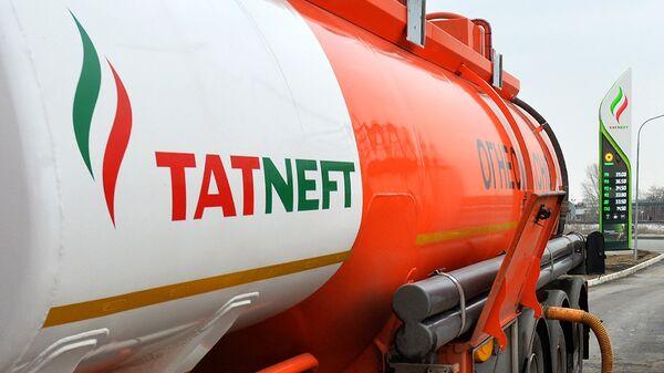Логотип компании Татнефть на АЗС