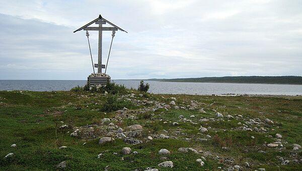 Поклонный крест на острове Анзер